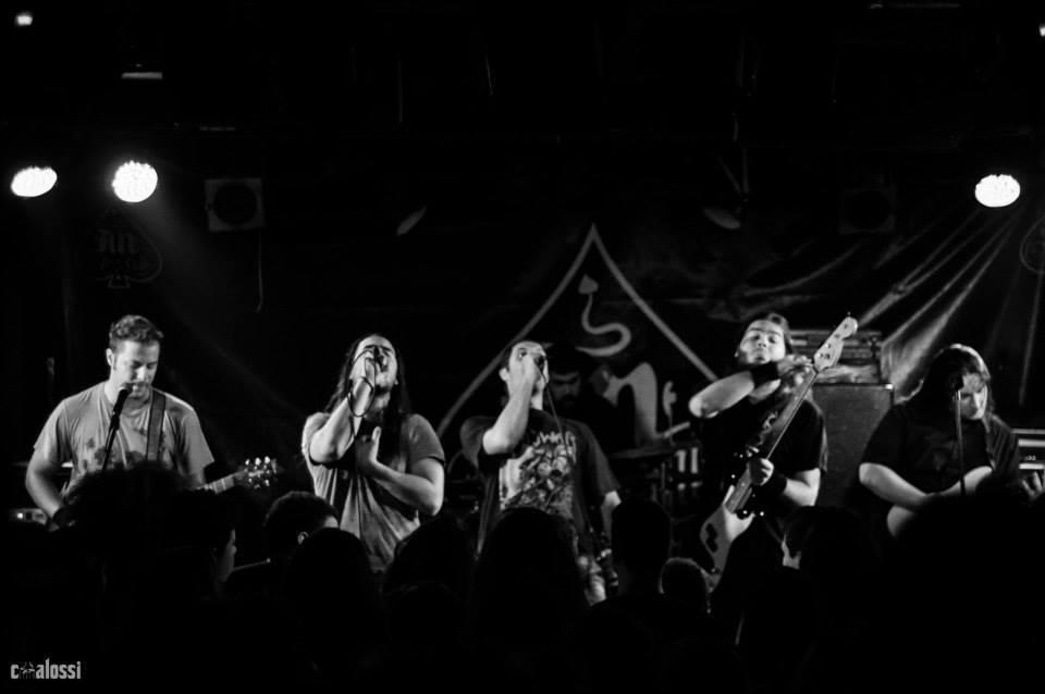 """Οι """"Sonata Antartika"""" είναι μία σατιρική metal μπάντα από την Αθήνα."""