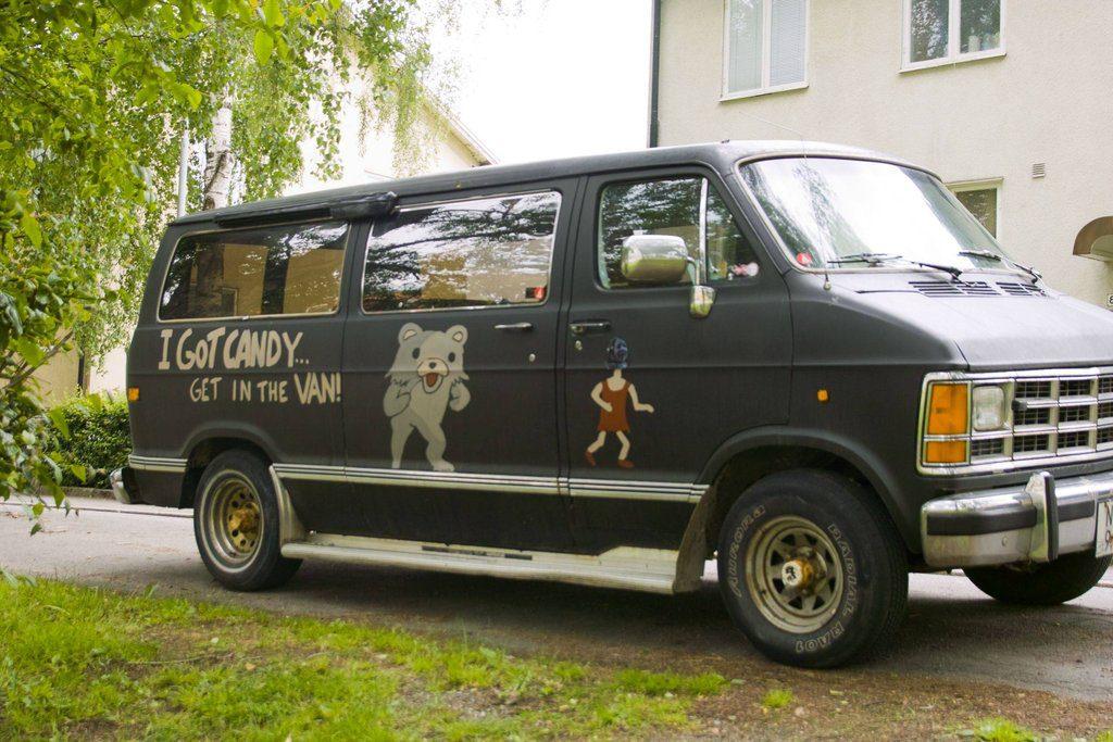 i-got-candy-get-in-the-pedobear-van