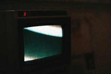 Μαύρη CRT τηλεόραση